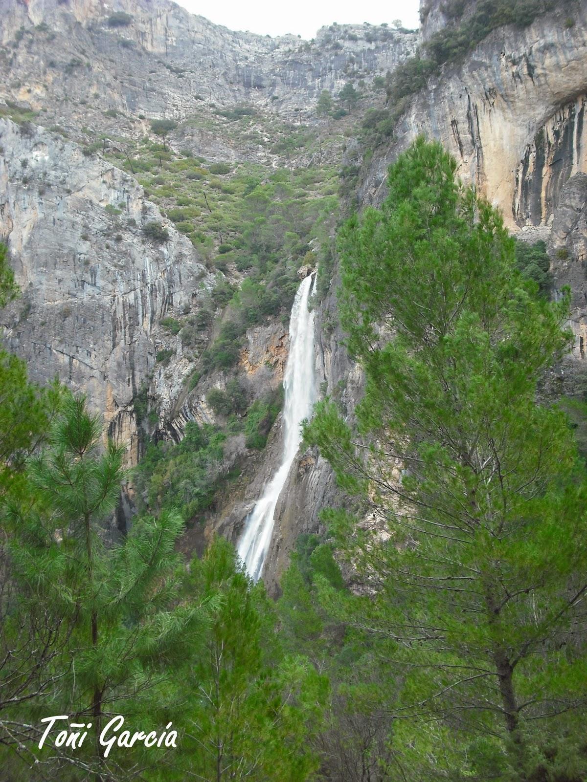 Rutas escapadas y otras cosas interesantes cascada for Cascada par