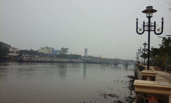BERKABUT- Kawasan Jembatan Pasar Lama Banjarmasin