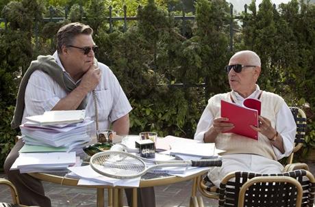 """John Goodman y Alan Larkin en la película """"Argo"""""""