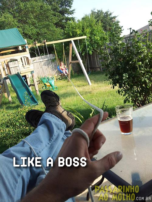 like a boss, balanço, filha no parque