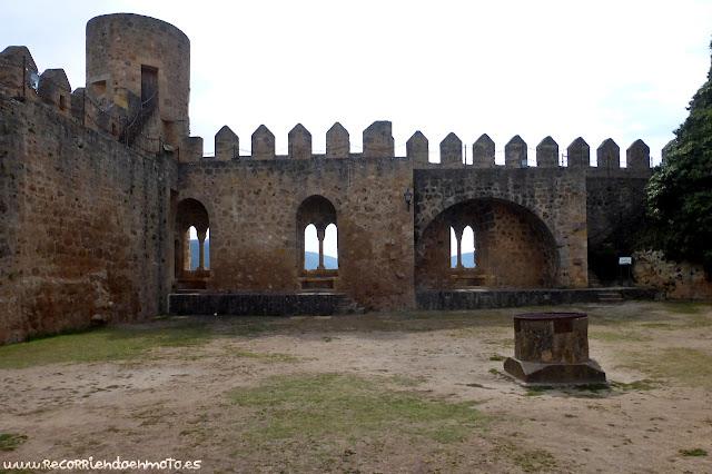 Patio de armas Castillo de Frías