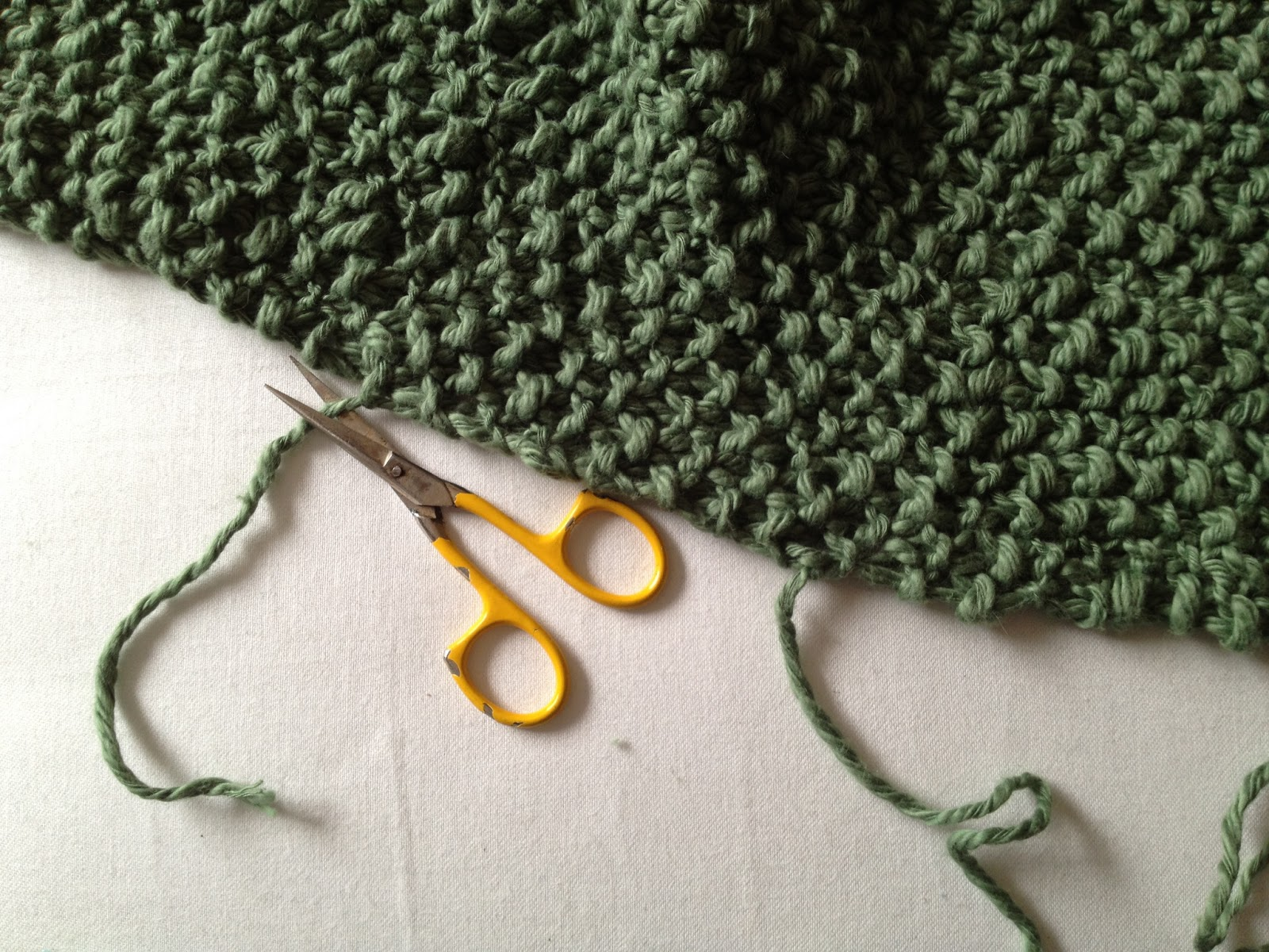 STEP TWO DARN / WEAVE IN YARN ENDS