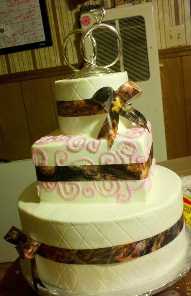 Make It Special {cakes} by Bridgette: Camo Wedding