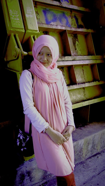 Blogger Hijab Cantik saguling