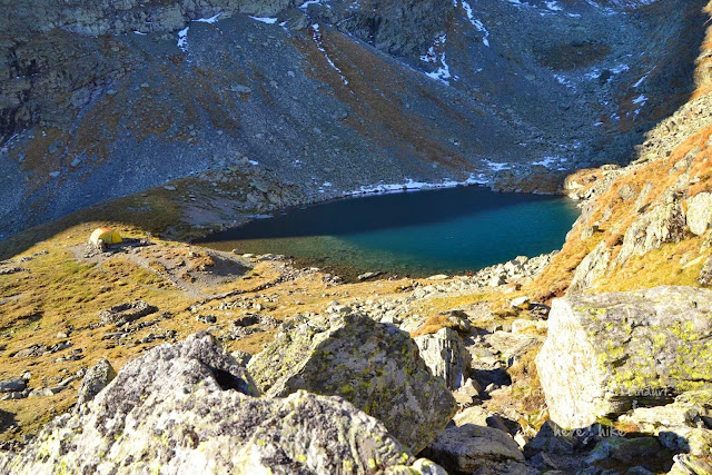 negoiu-peak-hike-caltun-lake