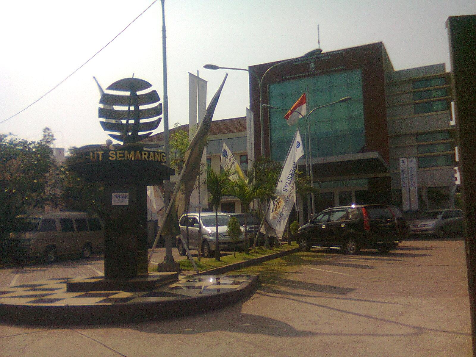 http://4.bp.blogspot.com/-9jBexEKFvFI/TfCKy44d9II/AAAAAAAAAFs/h0dMqsIp6ks/s1600/UT+Semarang.jpg
