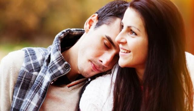 Alasan Pria Menyukai Wanita Lebih Tua