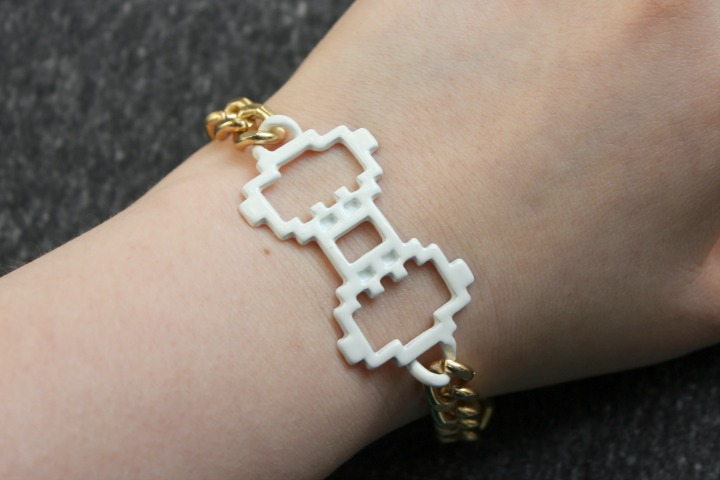 Digital Love Gold White Bow Bracelet Pixel Art 8-bit jewelry