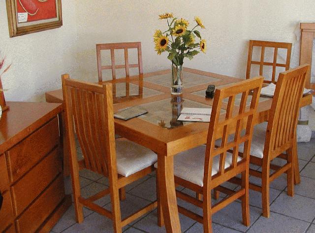 Modernos comedores de madera decoracion de cocinas for Decoracion de cocinas comedores modernos
