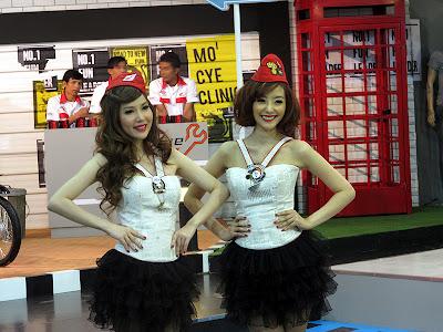 galeri foto gadis motor show 2012-4