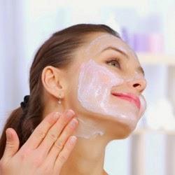 خلطات العناية بالبشرة, خلطة الحليب والزعفران لإزالة السمرة من الوجه والرقبة