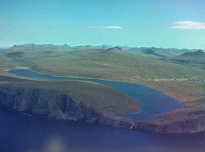Lake+Sorvagsvatn+(2).jpg