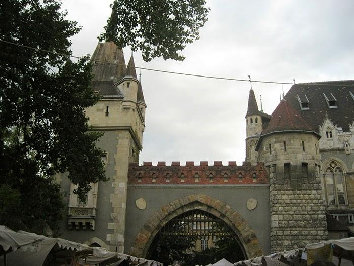 Medieval castle Middeleeuws Kasteel Budapest