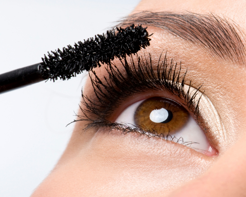 How Mascara Makes Lashes Look Lovely