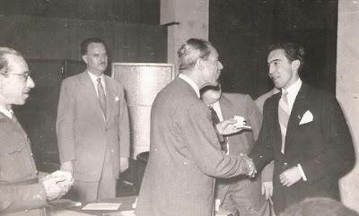 Entrega de medalla a José Vinagre en 1951