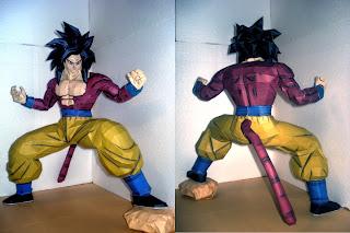 Papercraft Goku SSJ4