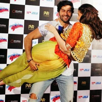 Hot Actress Alia Bhatt Yellow Panty Captured On Camera