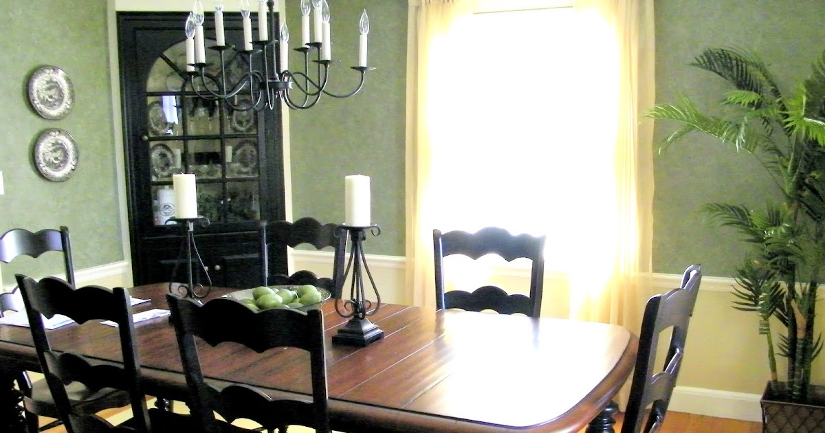 Maison decor black paint updates a traditional dining room for Updating a traditional dining room