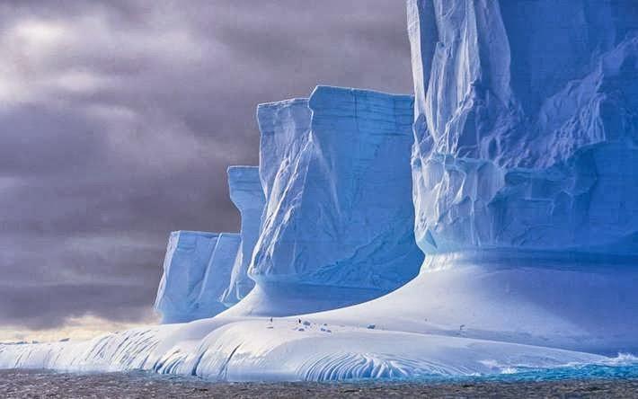 The Drake Passage, Palmer Peninsula (Antarctic Peninsula), Antarctica.