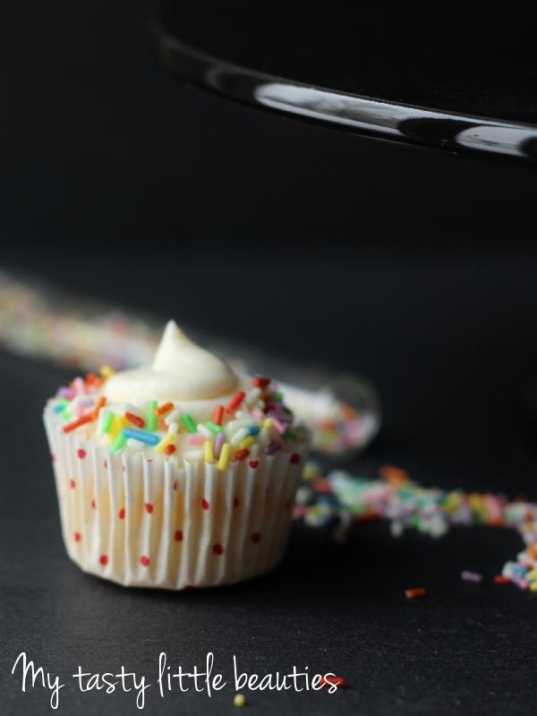 Streusel-Cupcakes mit Tonkabohne