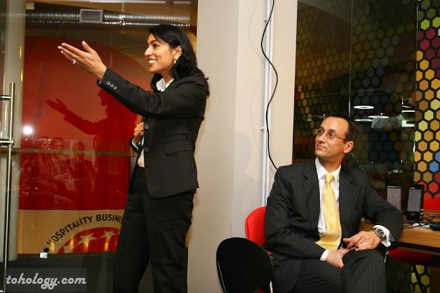 Даниэль и Самира Шарбонье в бизнес-школе swissam