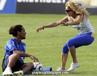 Ronaldinho and Janaina Mendes