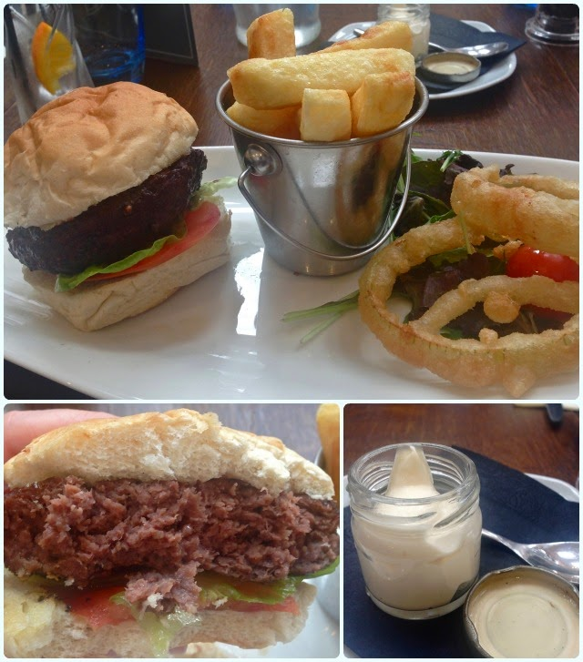 The Pack Horse, Affetside - Burger