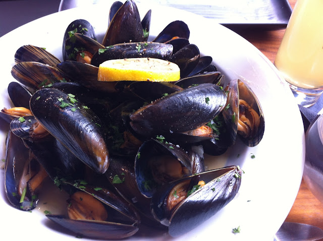 Equation+Islington+Upper+Street+review+mussels+moules