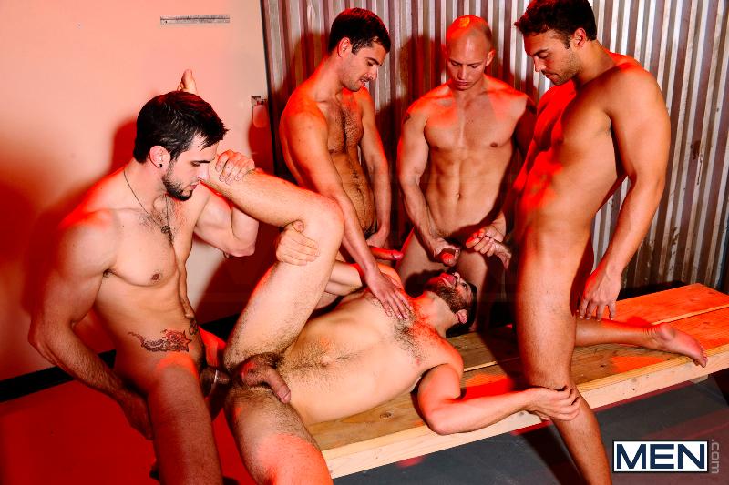 Orgia entre homens