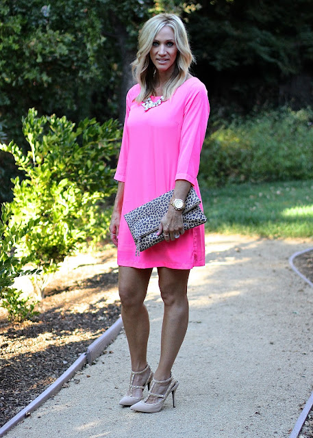 pink sheath dress studded pumps