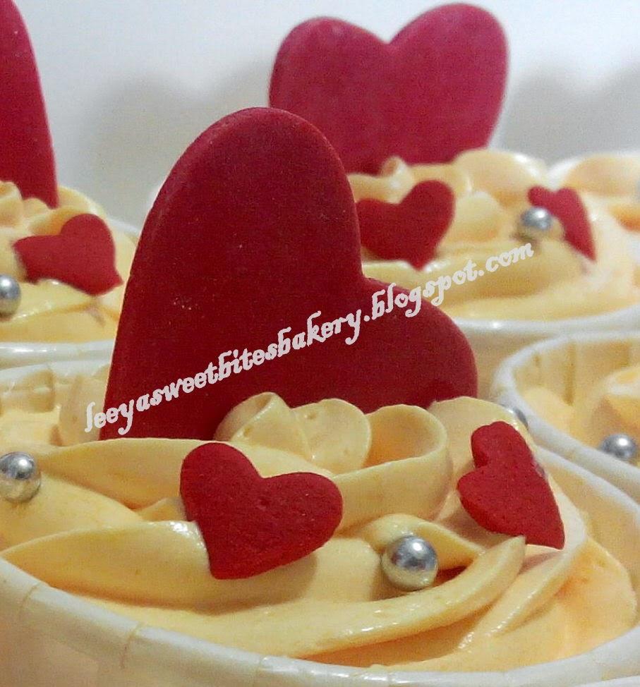 Love fondant cupcakes