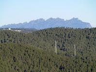 Vistes de Montserrat des de molt a prop de la Creu de Querol