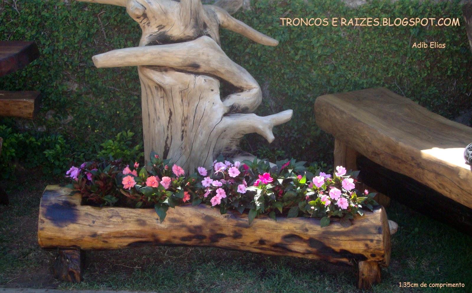 Floreira em madeira reciclada (Jacarandá) com Impatiens #93388A 1600x995