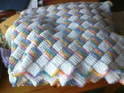 Free Crochet Pattern For Entrelac Baby Blanket ~ Traitoro for .