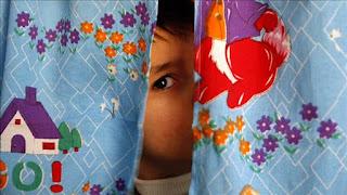 اطفال التوحد والعزلة