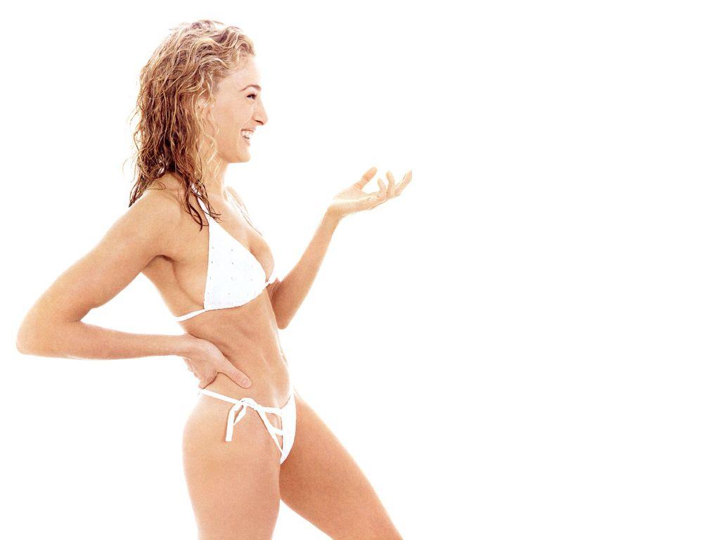 http://4.bp.blogspot.com/-9nSJhAJHsoY/TtT6LIP500I/AAAAAAAAJt0/b96X6PR9wh8/s1600/Sarah_Jessica_Parker_wallpapers_bikini.jpg