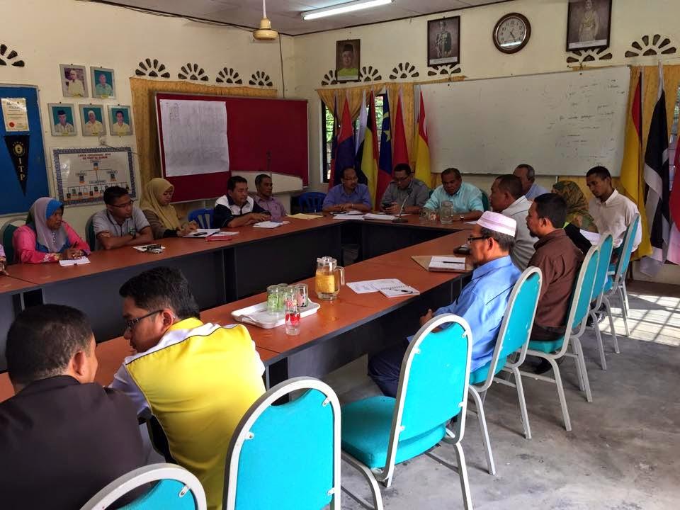 Majlis Dialog Bersama Penduduk Kg Pt Hj Kassim Kg Changkat Lobak Kg Ptg Tengah Kg Pt Simpang 4 Kg Pt Spg 5 berhubung Isu ban RTB