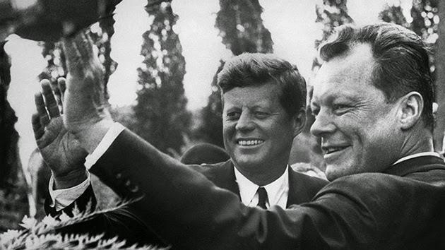 la-proxima-guerra-25-aniversario-caida-del-muro-de-berlin-10