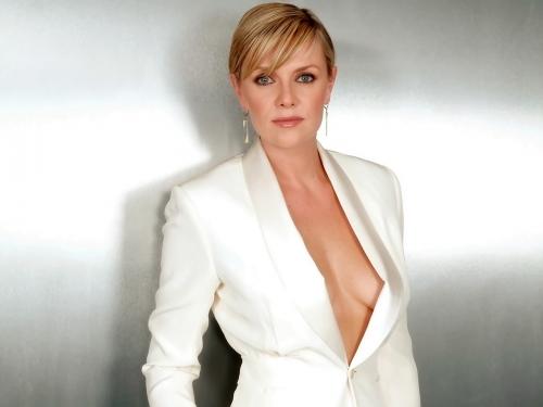 Amanda Tapping actress
