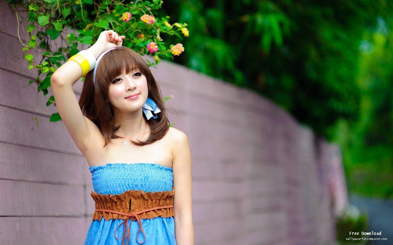 Beautiful girl wallpaper desktop wallpaper collection beautiful girl wallpaper voltagebd Images