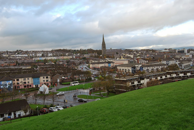 Vistas a Free City Of Derry desde Londonderry