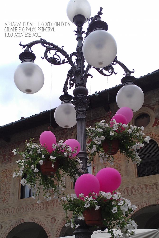 vigevano-Italia-festa-piazza ducale