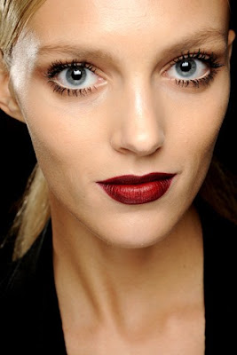 Dark lips + Chanel Rouge Allure Velvet La Provocante (FNO 2012)