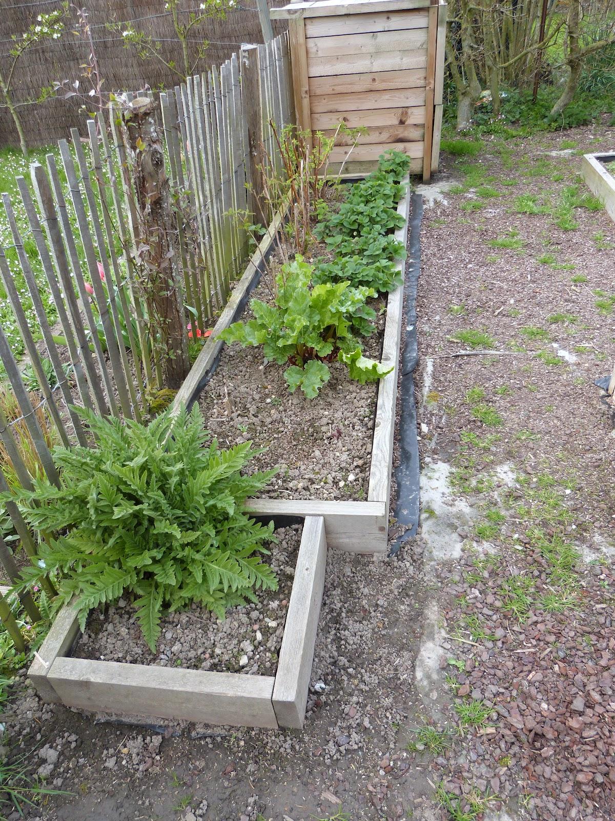 On verra au jardin nouveaux carr s au potager - Tunnel de protection pour potager ...