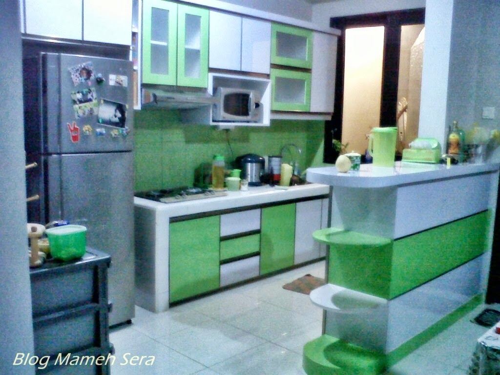 Mocha Books : My Lime Green Kitchen