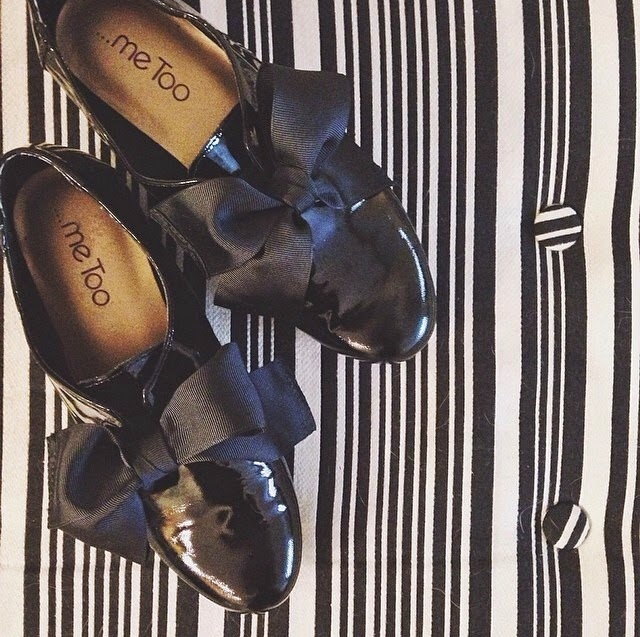 black shiny oxfords, bow oxfords