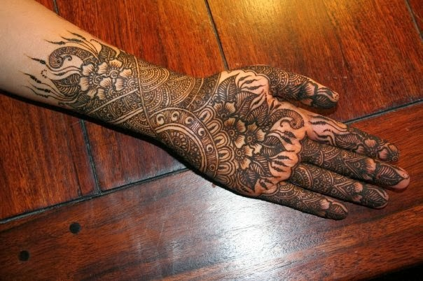 Most Karwa Chauth Mehandi Picturs for Free Download