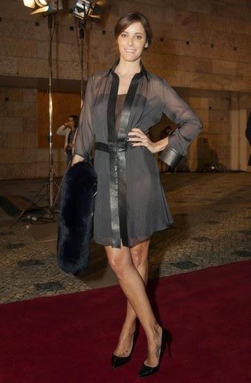 Vestido camiseiro cinzento Maria João Bastos Prémios Sophia
