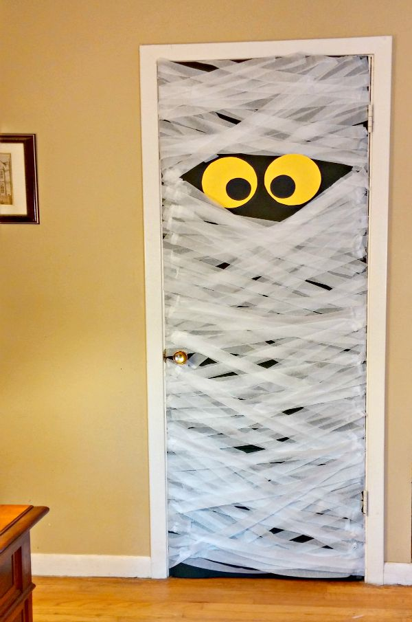 Diy Mummy Door Decoration Do It Yourself Ideas And Projects