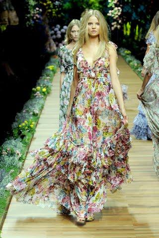 Vestidos largos vaporosos y floreados